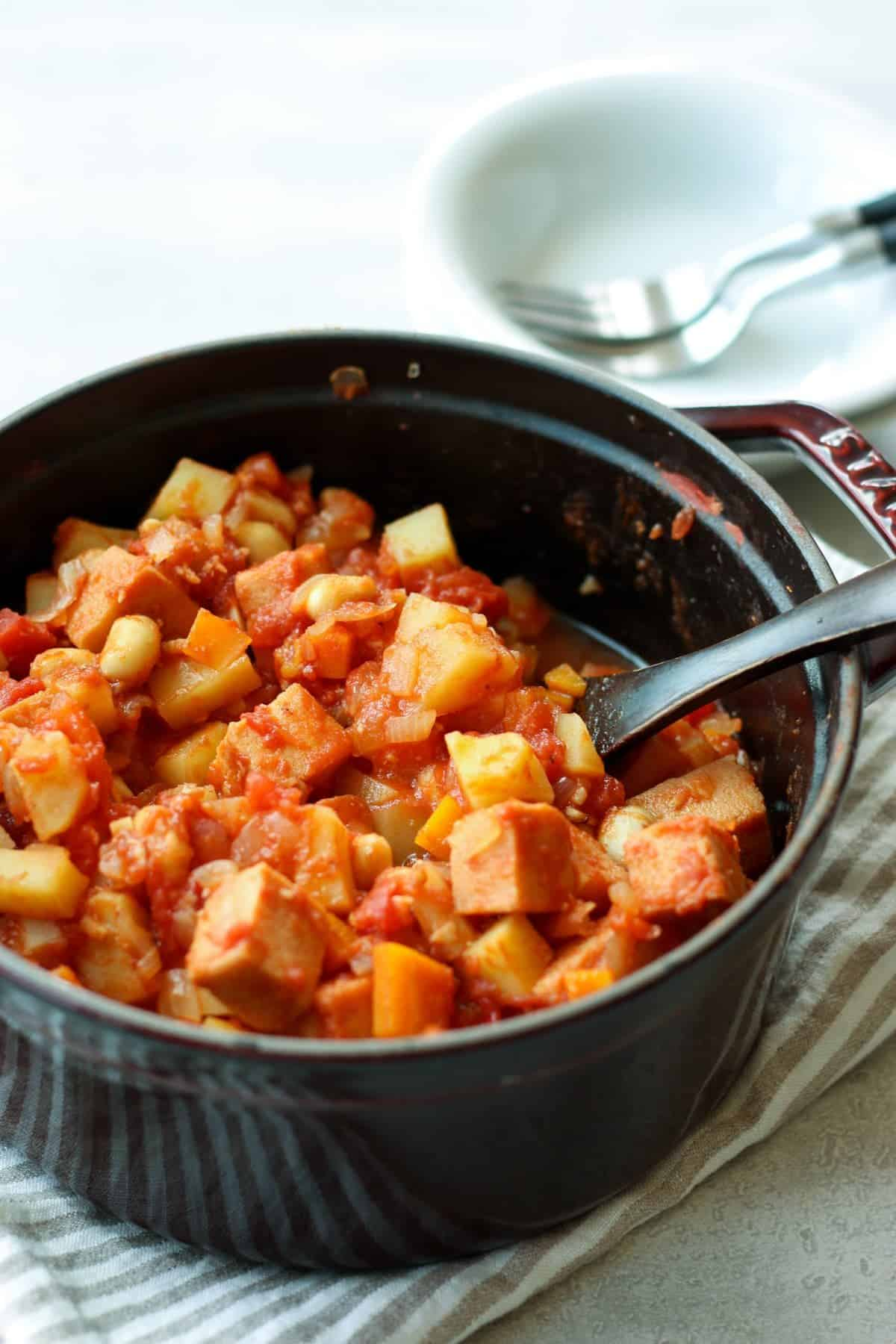 Simmered soybeans and koyadofu in tomato sauce