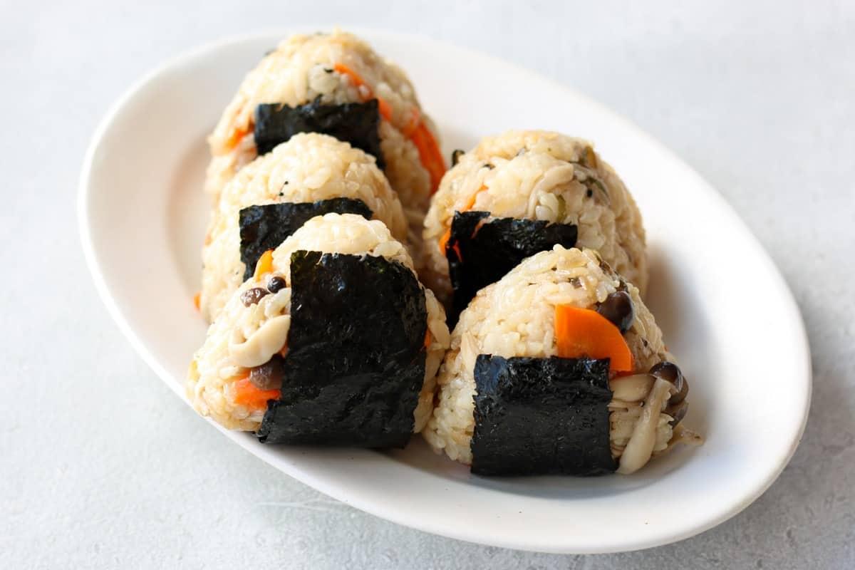 """Shio kombu """"Takikomi Gohan""""(Japanese seasoned rice) onigiri"""