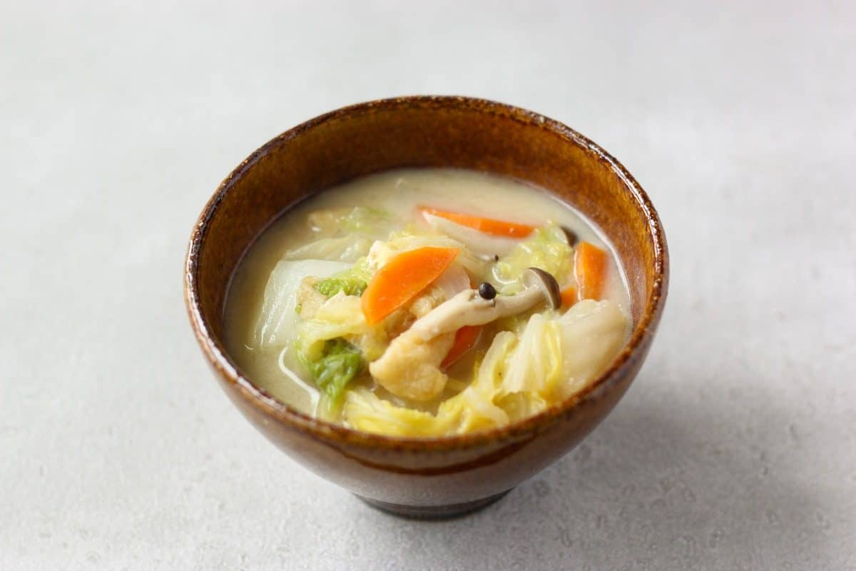 白菜の豆乳味噌汁