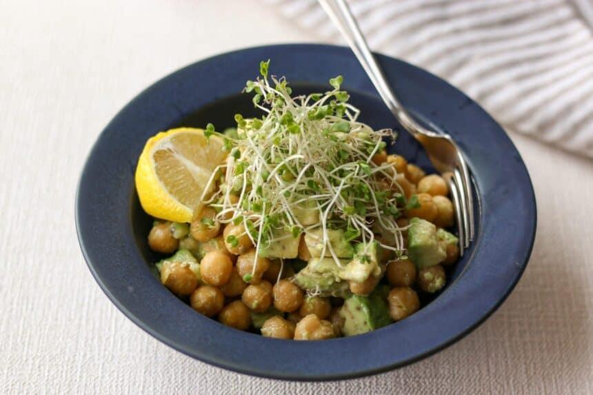 アボカドとひよこ豆のサラダ