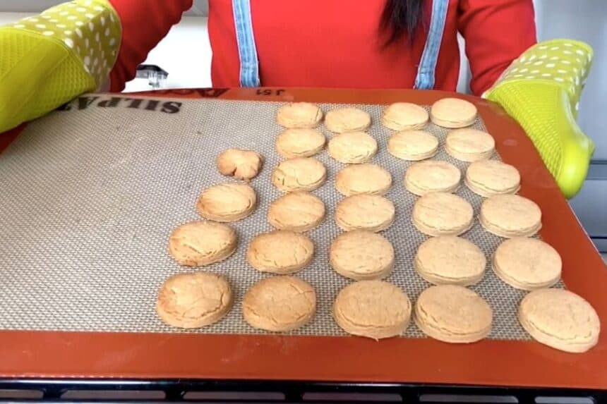 How To Make Peanut Butter Cookies - Step By Step