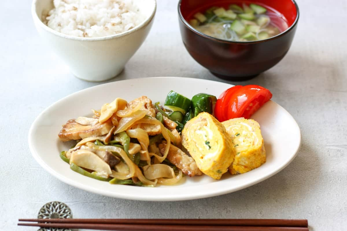 Japanese Tamagoyaki(tuna and scallion), rice and soup