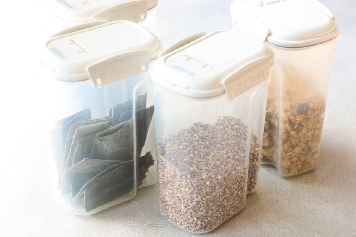蓋付きプラスチック容器