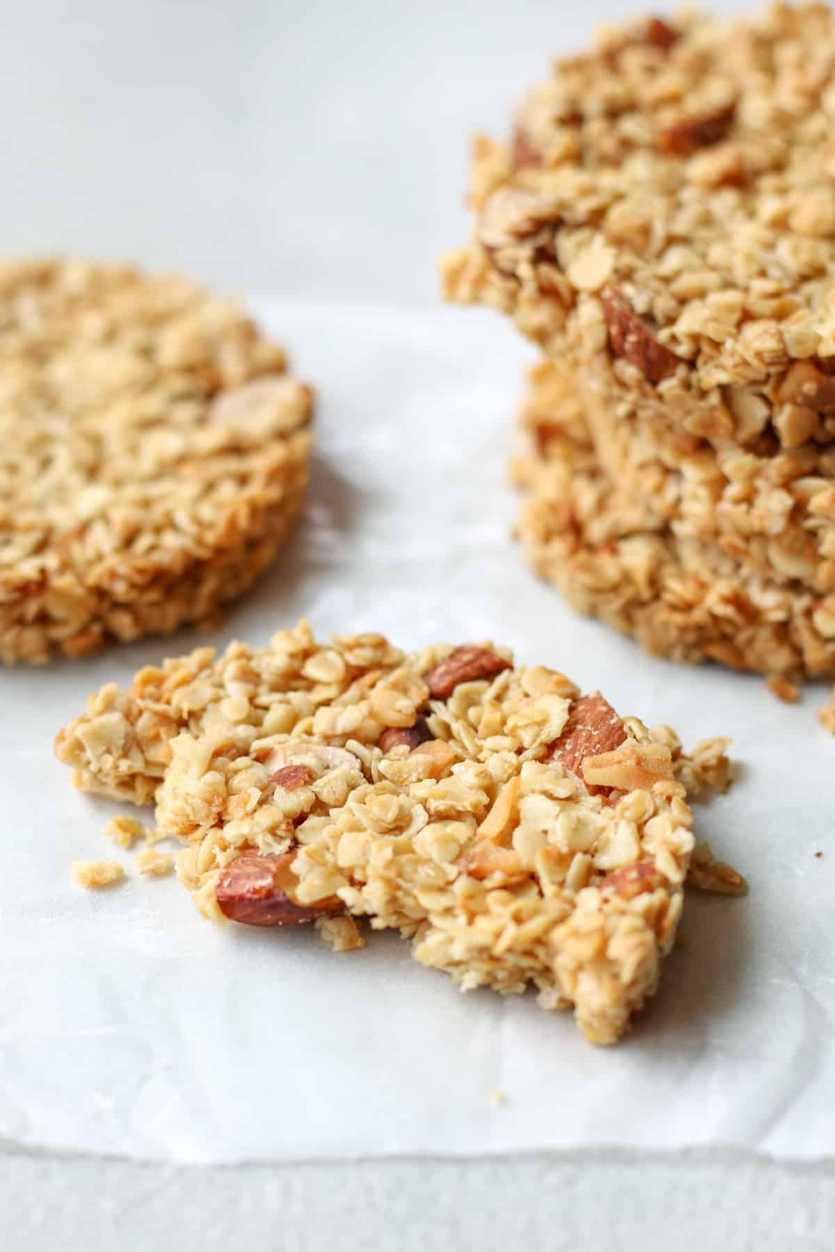 5 flourless vegan oatmeal cookies